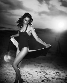 Vincent Peters for Vogue Italy...one of my favorite photographers of all time.  He captures sensuality so beautifully.