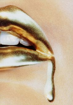 coc-o:lelaid: Shot by Miles Aldridge for Vogue Japan, January 2007 oh
