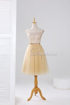 This simple dress with champagen color is made of chiffon and lace.It can be simple homecoming dress,bridesmaid dress,wedding party dress and short