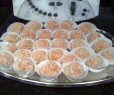 Receita Bolinhos de cenoura e coco por Mymy - Categoria da receita Bolos e Biscoitos