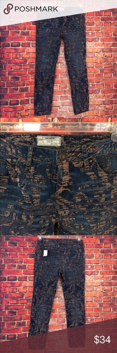 Free People FP Blue Beige Jeans Size 26 x 26 Free People FP Blue Beige Jeans Size 26 x 26. These our new without tags's and have a line through the tag. Free People Jeans Skinny