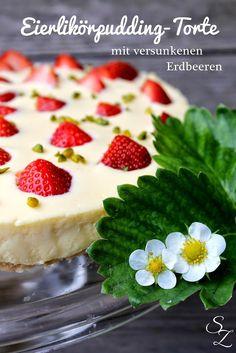 Eierlikörpudding-Torte mit versunkenen Erdbeeren + GEWINNER!!