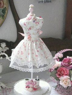dress form pincushion with apron/skirt