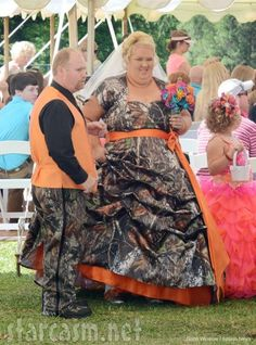 In case you hadn't seen Mama June and Sugar Bear's wedding pictures yet. You're welcome.