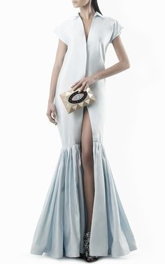Get inspired and discover Leal Daccarett trunkshow! Shop the latest Leal Daccarett collection at Moda Operandi. Gala Dresses, Evening Dresses, Short Dresses, Beautiful Maxi Dresses, Mode Hijab, Estilo Retro, Apparel Design, Classy Outfits, Dress To Impress