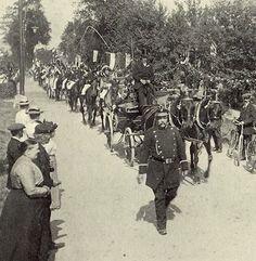 Onafhankelijksheidsoptocht in 1913. Herdenking van de bevrijding van het Franse Juk (Slag bij Waterloo).