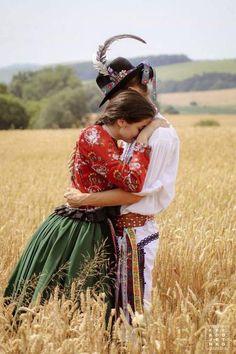 Chráňme si to čo je naše! The Most Beautiful Girl, Beautiful People, European Tribes, Hungarian Dance, Dance Wallpaper, German Folk, Folk Clothing, Folk Dance, Folk Fashion
