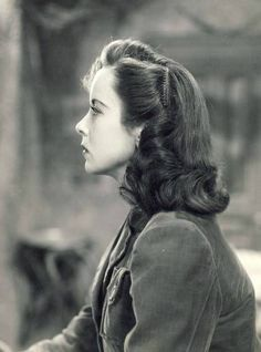 Love the hairstyles of the 1940's and love ida lupino so this pic is a must :) More