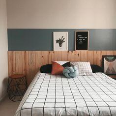 Diy bedroom decor 650559108653930874 - new Ideas for diy bedroom closet studio apartments Source by Closet Bedroom, Bedroom Wall, Home Decor Bedroom, Interior Design Living Room, Modern Bedroom, Suites, New Room, Room Inspiration, Studio Apartments