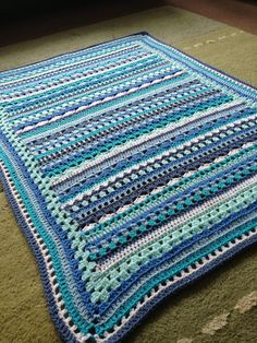 Inspiration :: A mixed-stitch blanket using one color family (no pattern) #crochet #afghan #throw