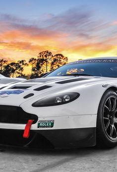 Aston Martin Vantage V12 Gt