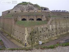 Fort Sint Pieter in Maastricht dateert uit Kingdom Of The Netherlands, Holland Netherlands, The Places Youll Go, Great Places, Places To Visit, Leiden, Rotterdam, Fortification, Places Of Interest