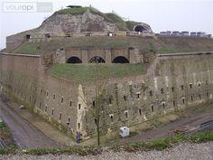 Fort Sint Pieter in Maastricht dateert uit 1701-1702 is leuk om te bezoeken. Bovendien heb je vanuit het fort een goed uitzicht over Maastricht, het Jekerdal en het Maasdal!