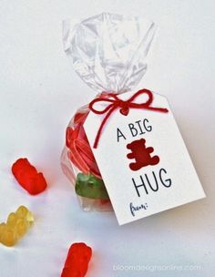 Sweets for your Sweetie! // A whole day dedicated to spreading warm hugs to your loved ones. Below are a few things I found while perusing Pinterest this morning. These are things I plan on making for my loves. Crafting and baking, 2 of my favorite things! xo //