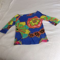Lilly Pulitzer 3/4 Sleeve Cotton Tee- Size Small Lilly Pulitzer 3/4 Sleeve Cotton Tee Size Small Lilly Pulitzer Tops Tees - Long Sleeve