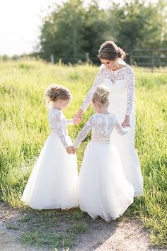 When a unique outdoor ceremony space meets a stunning wedding party you get one perfect wedding day. This classic wedding was held in Big Valley, Alberta. Round House, Outdoor Ceremony, Perfect Wedding, Brides, Backdrops, Reception, Wedding Day, Flower Girl Dresses, Space