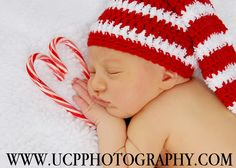 love the heart out of candy canes Switch out the hat and it would work for Valentine's too. Toddler Photography, Christmas Photography, Newborn Baby Photography, Indoor Photography, Photography Ideas, Newborn Christmas Photos, Christmas Baby, Christmas Pics, Newborn Pictures