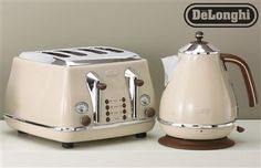Buy Delonghi Vintage Cream Toaster from the Next UK online shop Kettle And Toaster, New Kitchen, Kitchen Ideas, Kitchen Inspiration, Kitchen Appliances, Kitchens, Kitchen Remodel, Gold, Cuisine
