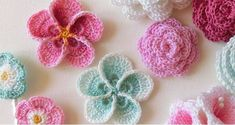 This free crochet pattern incorporates single crochet, half double crochet and post stitches for a sturdy, durable design. Crochet Flower Tutorial, Crochet Flower Patterns, Flower Applique, Crochet Flowers, Yarn Thread, Thread Crochet, Crochet Hooks, Free Crochet, Half Double Crochet