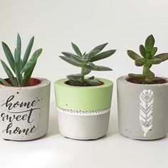 Best 10 Image shared by sincerelylucy. Find images and videos about flower, diy and creative on We Heart It – the app to get lost in what you love. Diy Concrete Planters, Concrete Pots, Diy Planters, Painted Flower Pots, Painted Pots, Pots D'argile, Beton Design, Concrete Crafts, Deco Floral