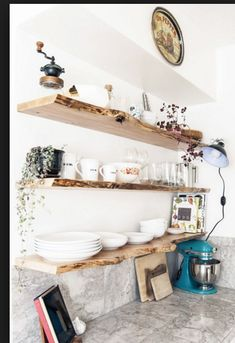 9 Exciting Tips AND Tricks: Rustic Floating Shelves Tutorials floating shelves next to tv color schemes.Floating Shelf Under Tv Projects floating shelves desk storage ideas.Floating Shelf Decor Over Tv. Natural Home Decor, Diy Home Decor, Kitchen Interior, Kitchen Decor, Rustic Kitchen, Open Kitchen, Diy Kitchen, Kitchen Ideas, 1960s Kitchen