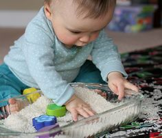Ideas for Sensory Play. Using household stuff (hair gel!) you can make your own playthings for baby. Read on and get ready for major fun. Baby Sensory Play, Sensory Bins, Sensory Activities, Baby Play, Infant Activities, Activities For Kids, Infant Sensory, Play Activity, Baby Baskets