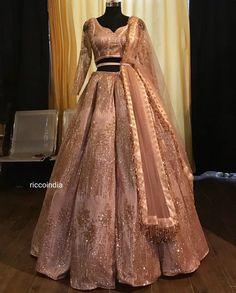 Onion pink gold work bridal lehenga - Source by premnavasnahma - Indian Fashion Dresses, Indian Gowns Dresses, Dress Indian Style, Indian Designer Outfits, Bridal Dresses, Designer Dresses, Indian Designers, Formal Dresses, Lehenga Choli Designs