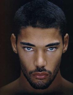Sexy black men with blue eyes tatuagens conservadoras, olhos claros, pessoa Stunning Eyes, Gorgeous Men, Hello Gorgeous, Absolutely Gorgeous, Pretty Eyes, Cool Eyes, Regard Intense, Mixed Guys, Blue Eyed Men