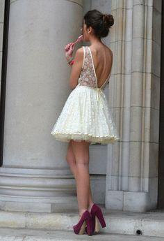 Precioso vestido de encaje para los calurosos días de verano.