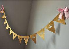 Royal Princess Trznadel Banner, glitter korona Garland, dziewczyna birthday party decor, baby shower banner, złoto i różowe Tiara Garland