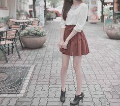 white shirt and short skirt looks great