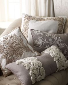 Taupe & White pillows.