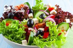 Akdeniz Salatası Tarifi Bizbayanlar.com  #Domates, #KırmızıKıvırcık, #KırmızıSoğan, #Limon, #NarEkşisi, #Salatalık, #YeşilKıvırcık, #Zeytin, #ZeytinYağ,#SalataTarifleri http://bizbayanlar.com/yemek-tarifleri/salata-meze-kanepe/salata-tarifleri/akdeniz-salatasi-tarifi/
