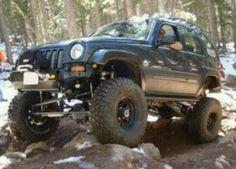 NEW OEM A//C Compressor w//Clutch Jeep Liberty w//2.4L 2002-2005