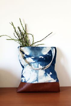 Simple shibori market bag, Indigo dye with folded pattern, natural vegetable dye shopper, canvas and vegan leather bag.Ready to ship by lipsandpieces on Etsy