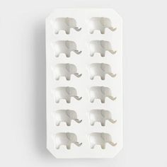 Our easy-release silicone mold is perfect for making adorable elephant-shaped ice cubes. You can also use it to freeze or bake chocolate, gelatin and more. Deco Elephant, Elephant Love, Elephant Art, Elephant Stuff, African Elephant, Elephant Cushion, Elephant Gifts, Elephas Maximus, Elephants Never Forget