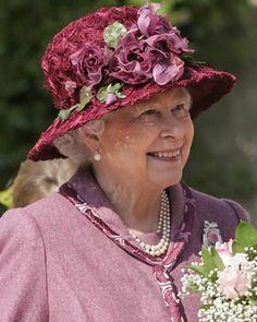 Queen Elizabeth  . . .so stylish!