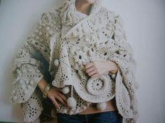 scialle. Wonderful crochet wrap/shawl