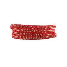 Bracelet Fever or - Bracelet cinq tours composé d'une chaîne boule montée à la main sur un tissage macramé.  Ce bracelet est ajustable grâce à la chaînette. Prix : 110 € - coloris : rubis