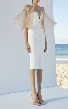 Alex Perry's Denver Dress in white. - Hits below the knee - Fitted silhouette - Plunging v front - Fully lined - Strapless