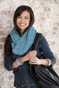 "Gotta try this!  I love making scarfs for fall and winter, and this is a great ""infinity scarf"" pattern."