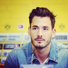 Swiss goaltender: Roman Bürki.