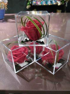 #Rosas preservadas en caja transparente sellada, el #detalle perfecto para regalar.