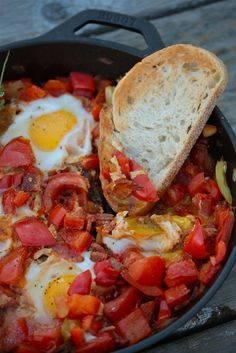 Tomato and Egg Camp Skillet - www.countrycleaver.com 3