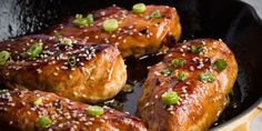 Need an easy dinner tonight? This super-simple recipeglazes chicken breasts in a delicious sauce of soy sauce, honey, and lime juice.