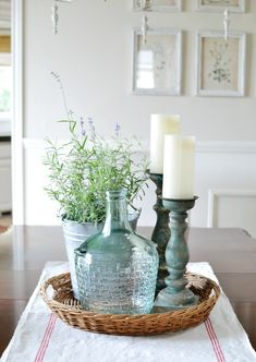 A dining room makeover takes this space from bland to beautiful with a nod to French Country style and budget friendly details. A dining room makeover takes this space from bland to beautiful with a nod to French Country style and budget friendly details. Decorating Coffee Tables, Coffee Table Design, Coffee Table Decorations, Table Centerpieces For Home, Kitchen Island Centerpiece, Dining Room Table Centerpieces, Kitchen Island Decor, Room Decorations, Kitchen Shelves