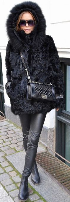 Maria Kragmann Black Fur Coat Fall Streetstyle Inspo