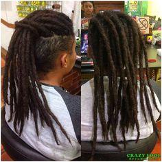 Erika de Viamão/RS e seus dreads criados e feitos com alongamentos de cabelo natural