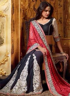 http://www.sareebuzz.in/sarees/groovy-navy-blue-and-red-embroidered-designer-saree-6679  Groovy Navy Blue And Red Embroidered Designer Saree  Color : Red Blue  Occasion : Wedding Reception  Fabric : Georgette  Work : Embroidered Resham Item Code: : 6679   For Inquiry Or Any Query Related To Product, Contact :- +91 9974 111 22