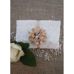 Μπομπονιέρες γάμου. Μπομπονιέρες γάμου φάκελος δαντέλα με χειροποίητο λουλούδι